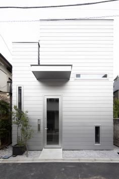 Kagurazaka House by Taku Sakaushi