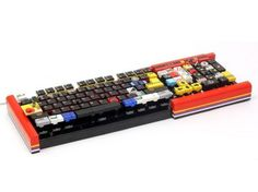 Most amazing piece of craftsmanship, keyboard made of Lego bricks and is completely durable and functional. #product #design #industrial