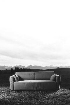 manuelnieberle. #white #black #manuel #nieberle #sofa #eos