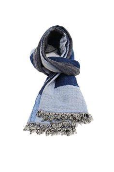 Totum Scarf Navy | Womens Xmas Gift Ideas #scarf