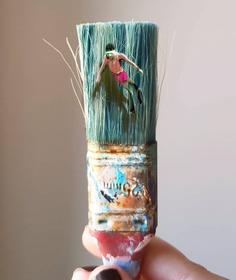 Golsa Golchini artist - Mixedmedia on paintbrush.
