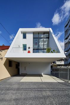 Keitaro Muto Architects Design a New Japan Three-Story Open House