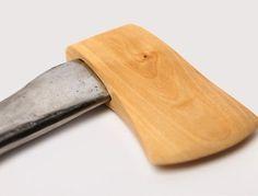 tumblr_m6v7htA7g61rsl5zso1_500.jpg (500×381) #axe #wood #inverse