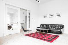 House from the 20's by Loft Szczecin. Photo © Karolina Bąk. #livingroom #scandinavian #loftszczecin #karolinabak