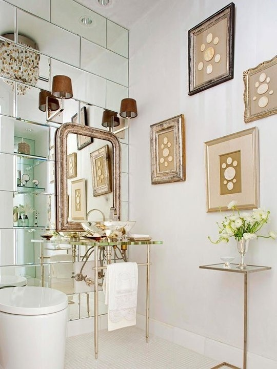 Small Bathroom Solution: Mirrored Walls Inspiration & Ideas | Apartment Therapy #interior #mirror #bathroom