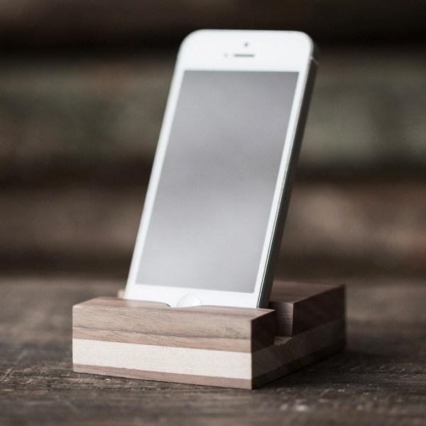 Walnut & Maple Mobile Dock #walnut #stand #office #iphone #wood #maple #dock