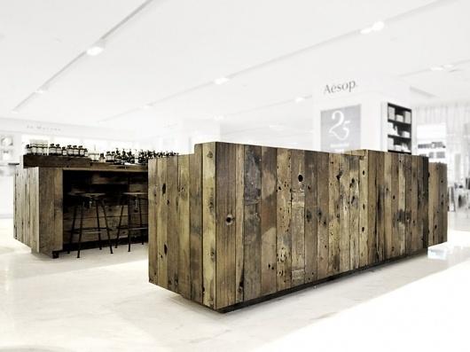 Aesop-store-installation-by-Cheungvogl-Hong-Kong-03.jpg (изображение «JPEG», 720×540 пикселов) #installation #cheungvogl #aesop #by #store #hong #k