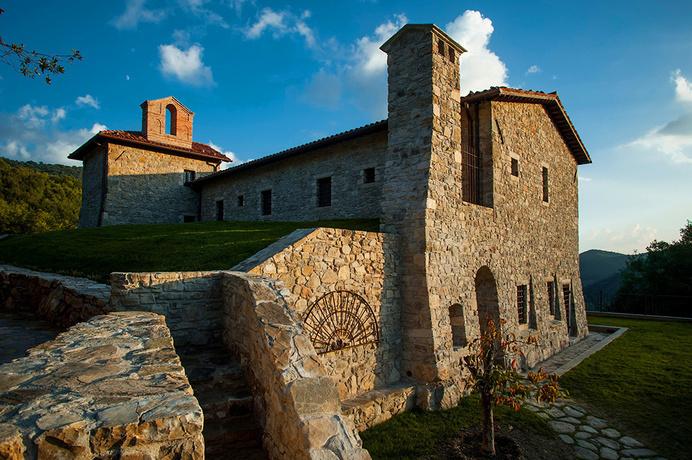 Digital Detox on the ruins of ancient monasteries Eremito Hotel - www.homeworlddesign. com (1) #hotel #italy