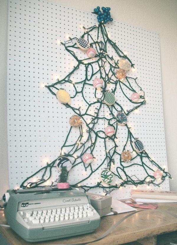 20 Clever and Cool Basement Wall Ideas #basement #wall #decor
