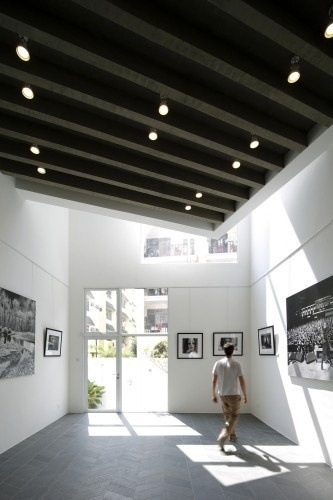 Gallery House by Lekker Design #interior #bright #gallery #house #design #art #lekker #light