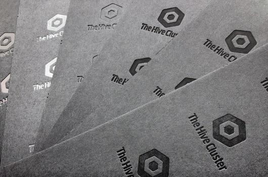 543347_249525265154960_221711421269678_468477_155276249_n.jpg (JPEG Image, 960×635 pixels) #anagram #design #cluter #the #hive #logo #paper #estorde