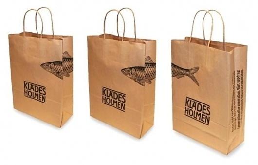 Klädesholmen Seafood Papperskasse #fish #logo #illustration #herring #bag #paper