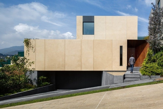 Mexican House Build from Compressed Earth Blocks Formed On-Site