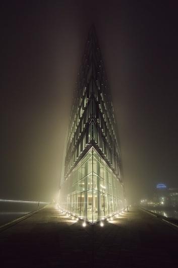 Majestics on the Behance Network #city #retro #night #architecture #light