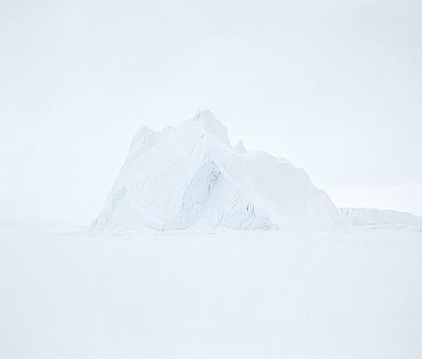 Minimalist Nature Photography by Jean de Pomereu #inspiration #minimalist #photography