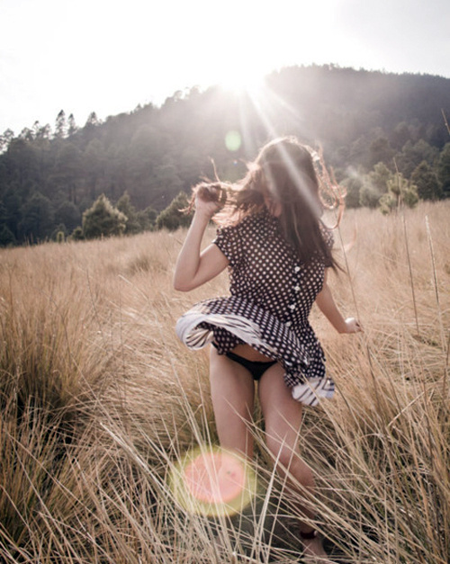Field run. #photography #girl