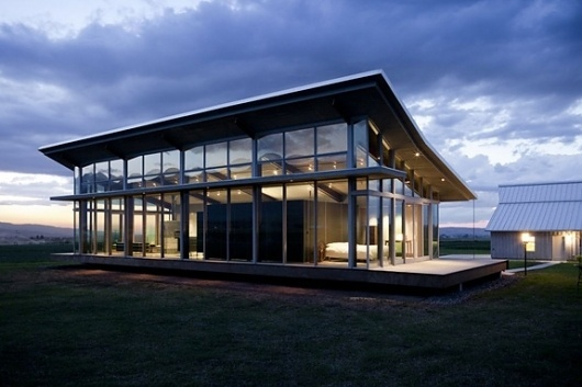 Onestep Creative - The Blog of Josh McDonald » Glass Farmhouse #glass #architecture #farmhouse #modern