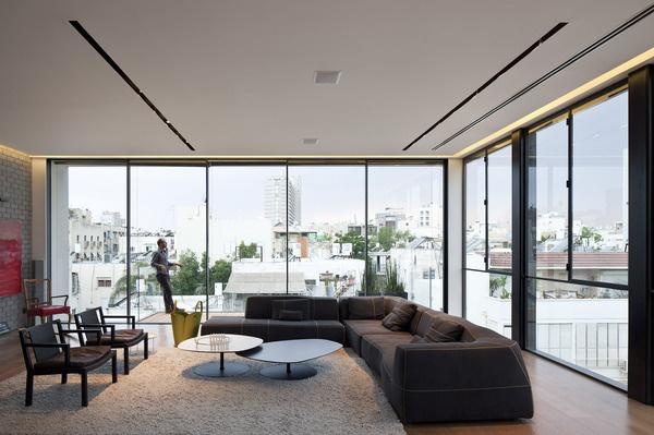 Tel Aviv Townhouse 1 by Pitsou Kedem #modern #design #minimalism #minimal #leibal #minimalist