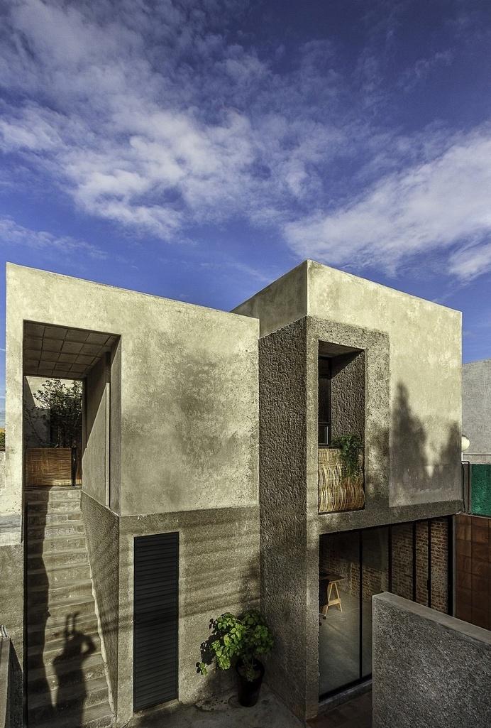 Estudio House / Intersticial Arquitectura