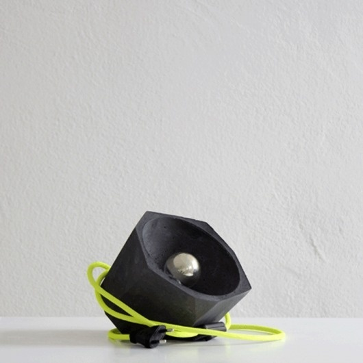 tilt lamp – BLACK limited edition | lokolo #lamp #concrete #lighting