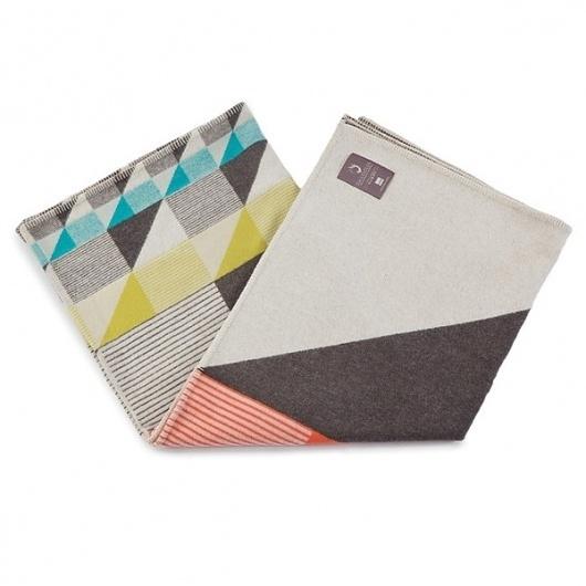 funkle_gullfuglen_jaquard_multi_o2_grande.jpg 600×600 pixels #square #pattern #colorblocking