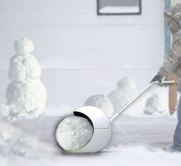 The snowball shovel is a concept that would make shovelling snow a lot more purposeful—even fun! #shovel #modern #design #snow #product #industrial #outdoor #style #winter