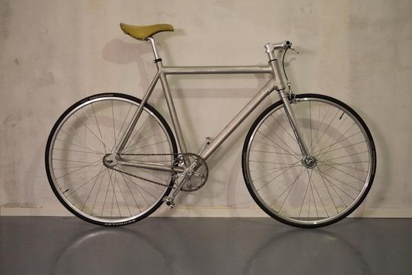 Aluminum fixie #aluminum #fixie #raw #silver #bike