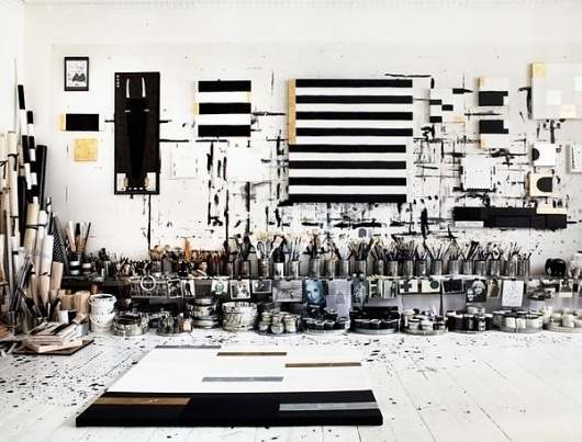 Fresh photos from Tenka's home - emmas designblogg #interior #white #black #and