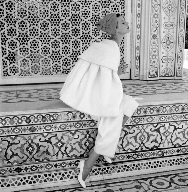 Norman Parkinson - Barbara Mullen at the Red Fort - Photos - Photohab - Photographer's Portfolios #fashion #photography #inspiration