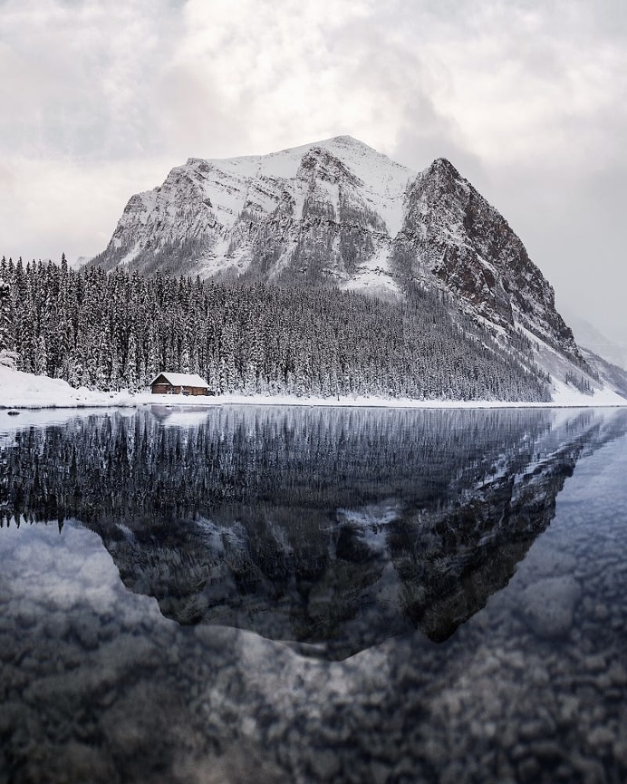 lake louise. banff. alberta
