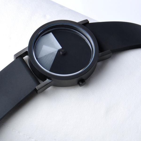 Deja Vu White Timepiece #clock #gadget #watch