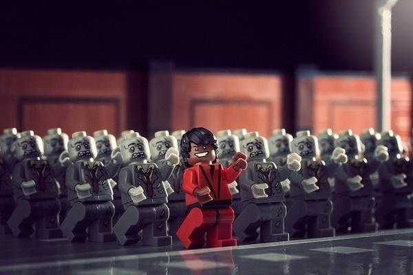 100 custom LEGO minifigs