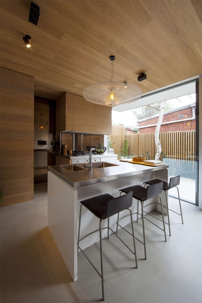 Skin Box House by Mcmahon and Nerlich Architects
