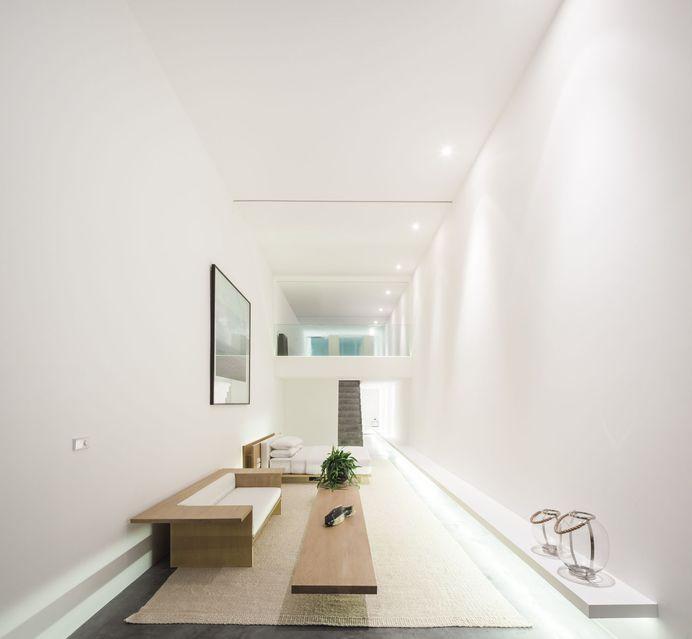 Seaside Villa by Shinichi Ogawa & Associates