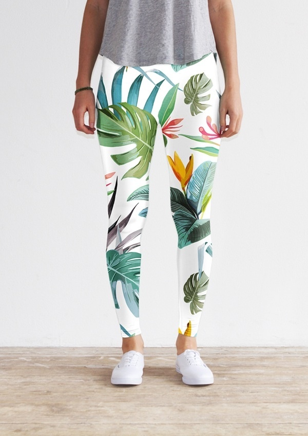 White tropical leggings by KFKS store #leggings #kfksleggings #surf #clothing #surfwear #casual #sport #yoga #yogaleggings #design #pattern