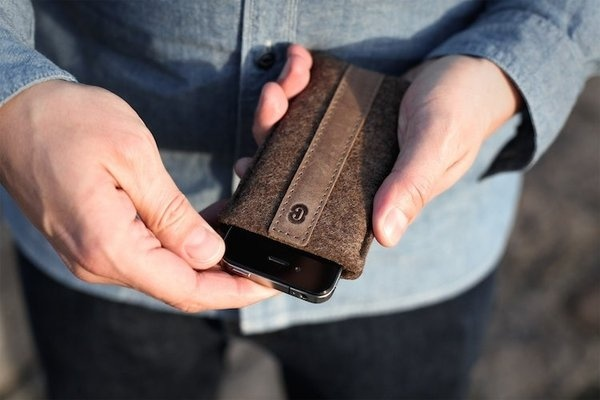 Cocones Wool Felt and Sleeve for iPhone #tech #gadget #ideas #gift #cool