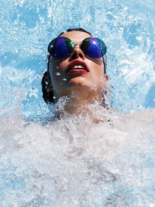 Wall-B World Wild #pool #swimming #lady