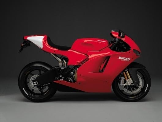 2008_ducati_desmosedici_rr.jpg (1024×768) #design #red #motorbike