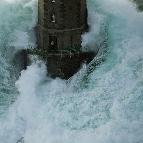 Piccsy :: lighthouse #ocean #power #water #wave