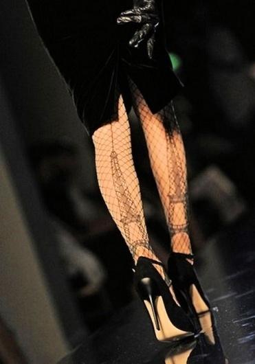 Sara Lindholm - papillon0727: Â Â Â Â Paris fashion hose #fashion #paris #photography