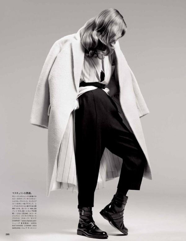 Vogue Japan December 2012 | Dedicated to Nuance #vogue #2012 #photography #fashion #december #japan