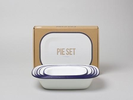 Falcon Enamelware - Pie Set #brand #design