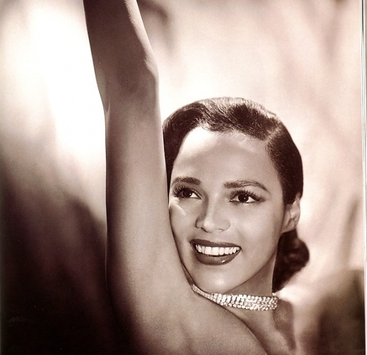 dorothy-dandridge-necklace-01-close-sepia.jpg (JPEG Image, 600x583 pixels) - Scaled (97%) #sepia #classic #photography #girl