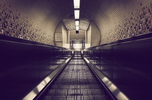 11.jpg (720×476) #abstract #underground #steps #tunnel #metro #symmetry