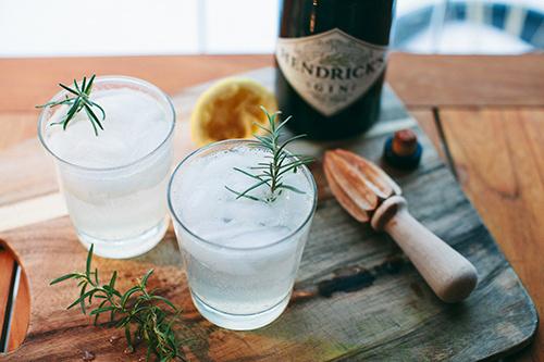 7 #bottle #drink #tonic #gin #ice