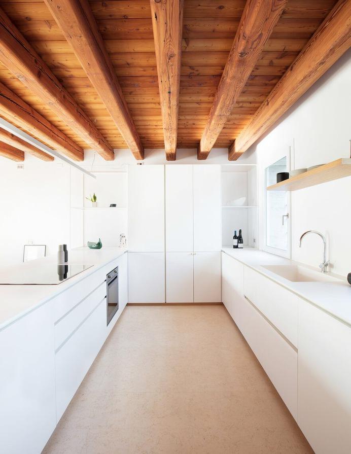 kitchen / Didonè Comacchio Architects
