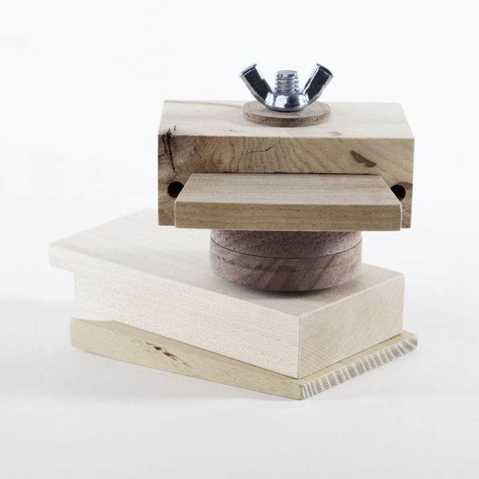 Daniel Moyer: fdup.toys | Sgustok Design