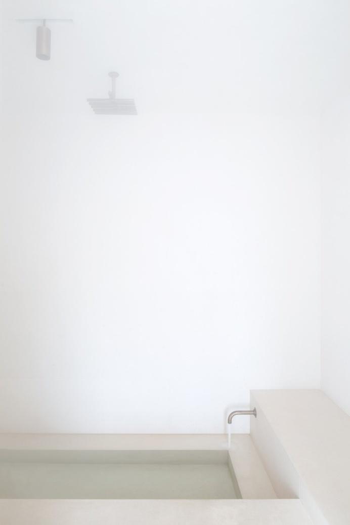 Bathroom. Penthouse Antwerp by Hans Verstuyft Architecten. #bathroom #penthouseantwerp #hansverstuyftarchitecten