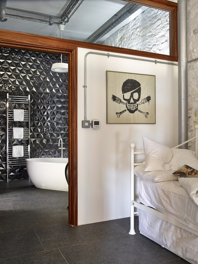 Retro Industrial Holiday Home 8