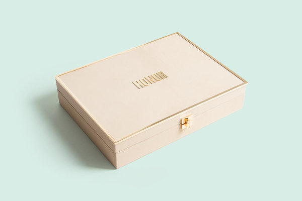 Roandco honor2013cfdabook 01 1299 xxx q85 #stamp #pattern #packaging #print #book #box #gold #package #booklet #foil